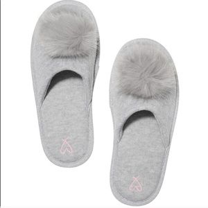 Victoria's Secret Pom Pom slippers gray 7-8 new